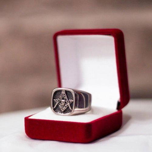 Masonic ring - Memento Mori, Square and Compass - Silver and Gold