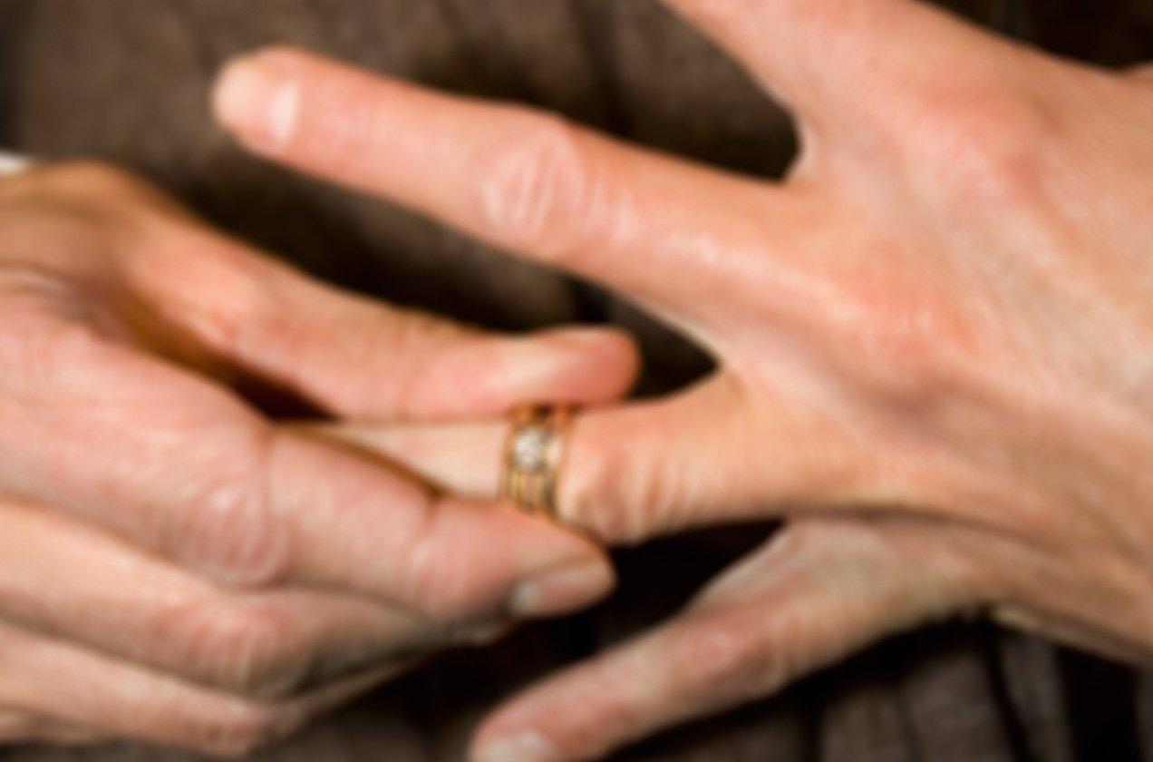 How To Wear A Masonic Ring The Symbolism Of Freemasons Masonartstore